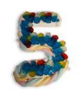 Le chiffre cinq en composition de bonbons